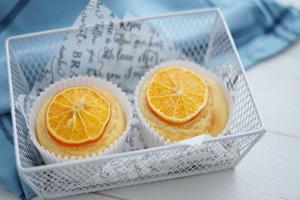 薄切りオレンジのカップケーキ