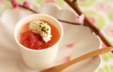 ふるふる杏仁豆腐 フレッシュいちごソース